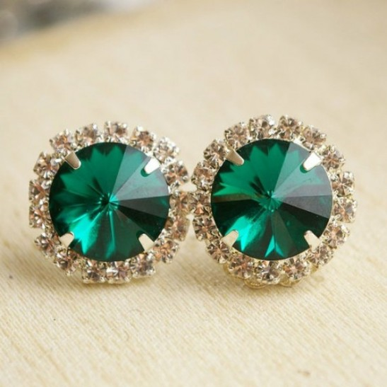 http-www.societybride.com20111004emerald-black-and-gold-wedding-color-palette-for-the-fall